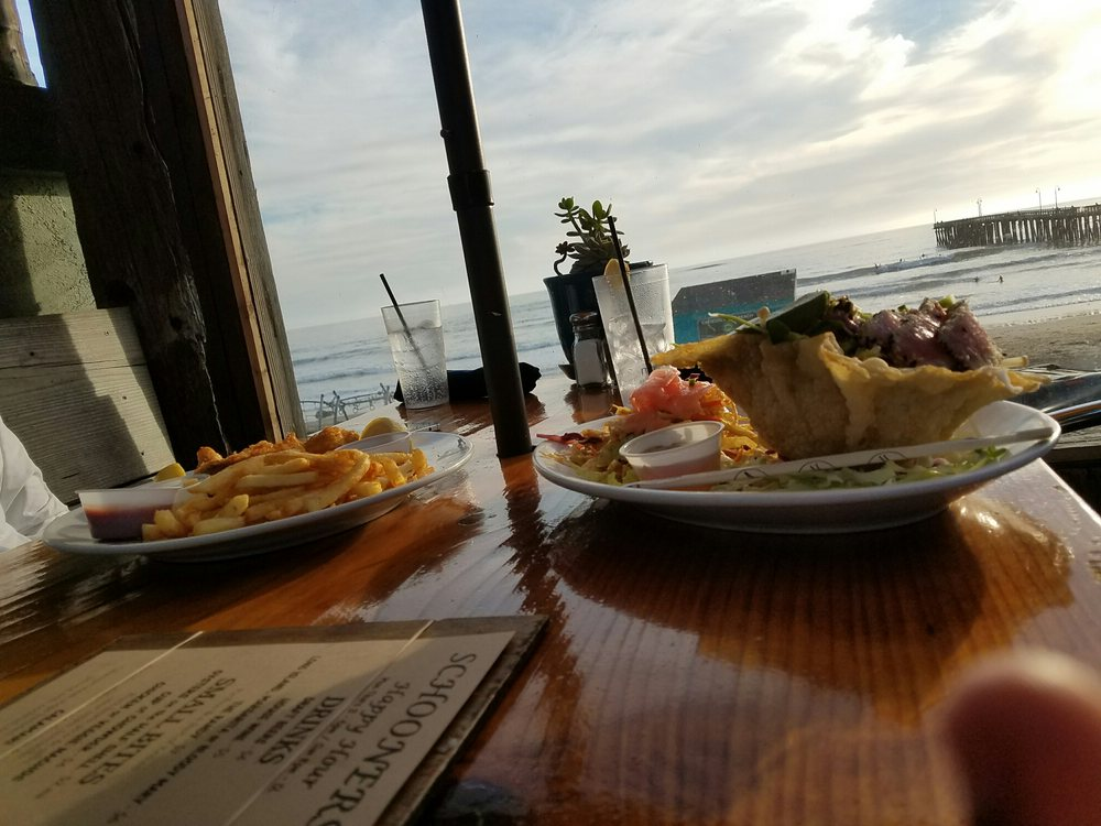 Schooners: 171 N Ocean Ave, Cayucos, CA