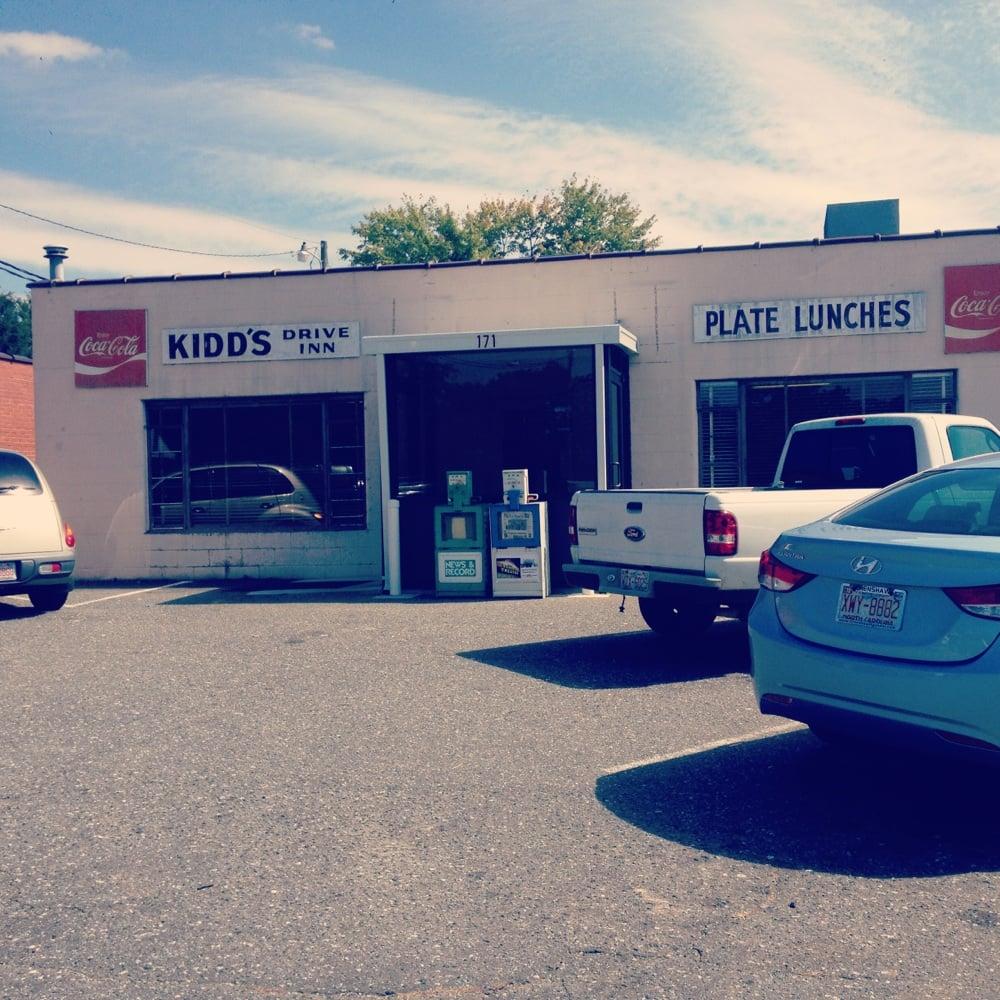 Kidd's Drive-In: 171 S Greensboro St, Liberty, NC
