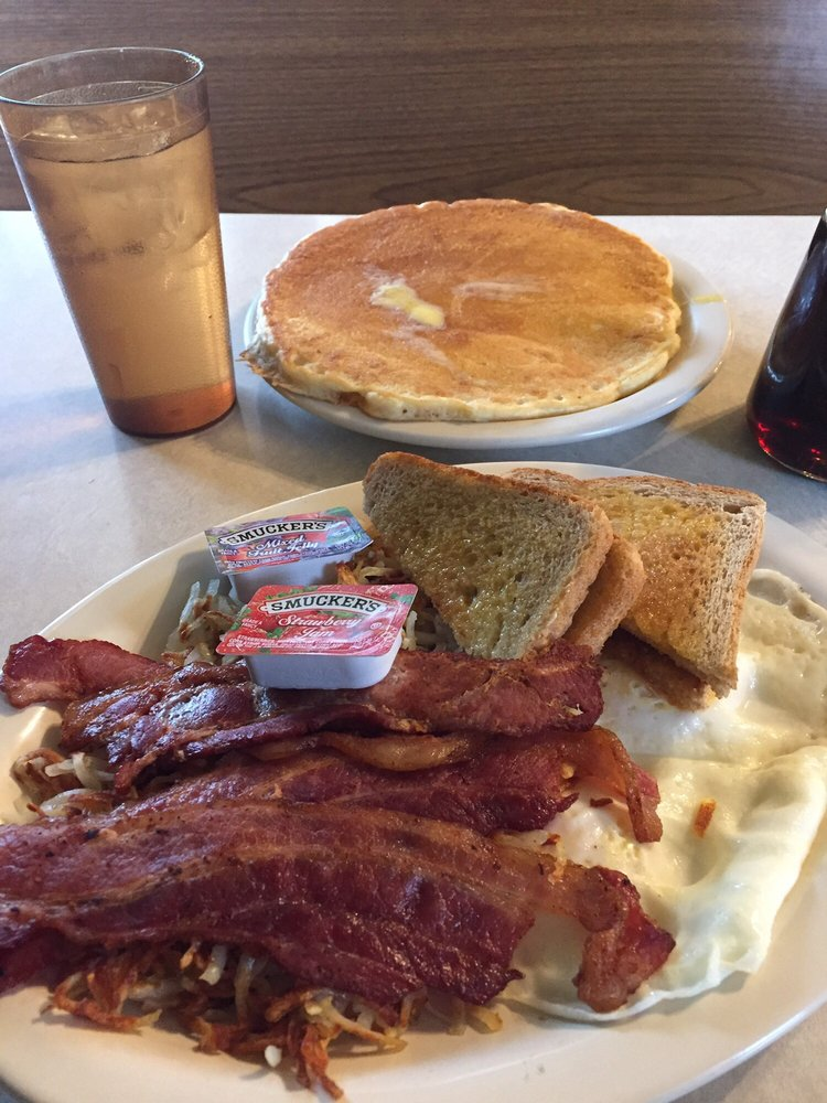 Red Barn Cafe: 624 S Main St, Caldwell, KS