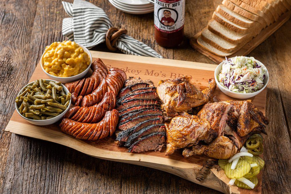 Smokey Mo's BBQ: 1685 River Rd, Boerne, TX