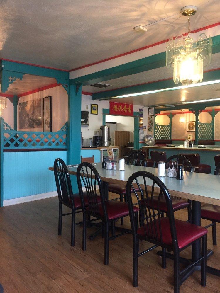 Gee's Family Restaurant: 118 E Main St, Goldendale, WA