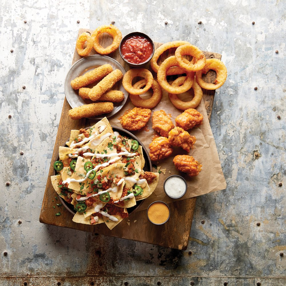 Buffalo Wild Wings: 2717 Columbia Rd S, Grand Forks, ND