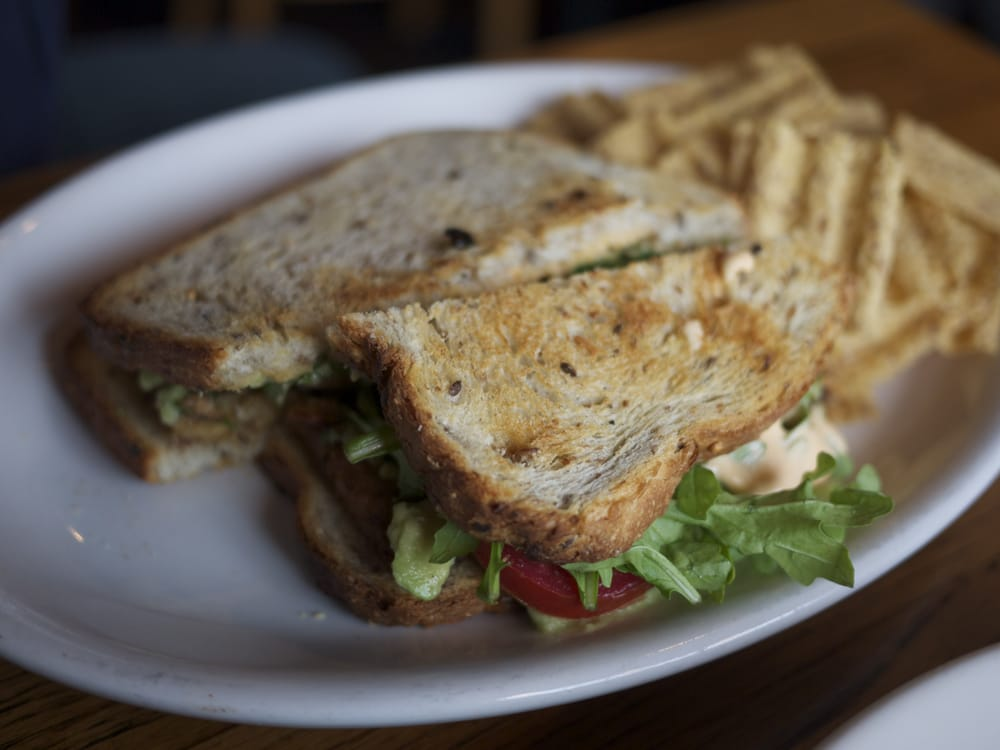 Melt Eclectic Cafe: 4100 Hamilton Ave, Cincinnati, OH