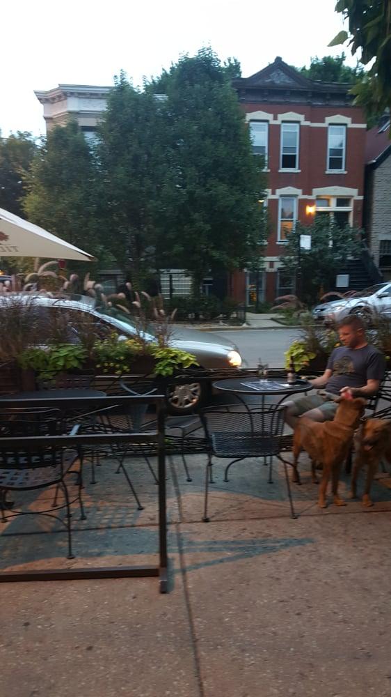 Bucktown Pub Dog Friendly