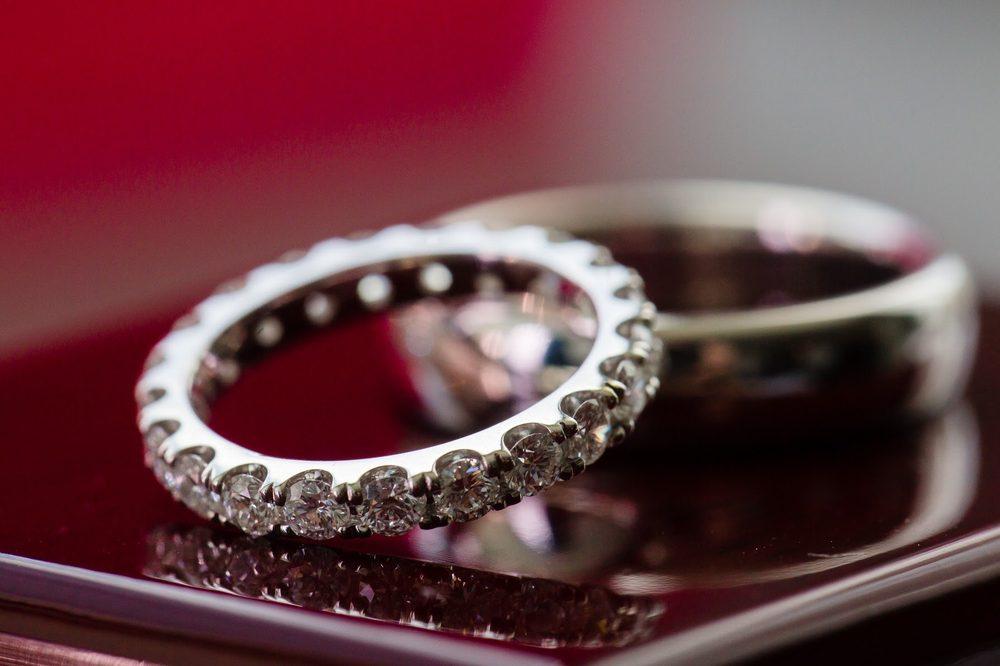 Alicia's Jewelers: 211-19 26th Ave, Bayside, NY