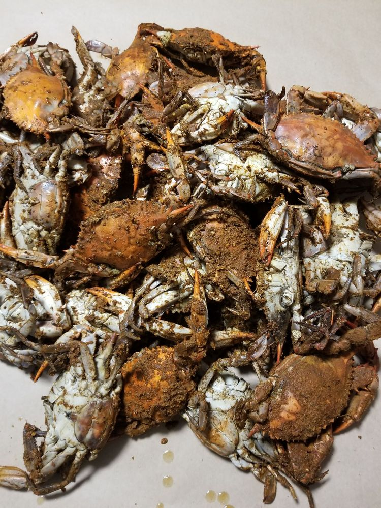 Crabs Down Under: 4918 Hazelwood Ave, Baltimore, MD