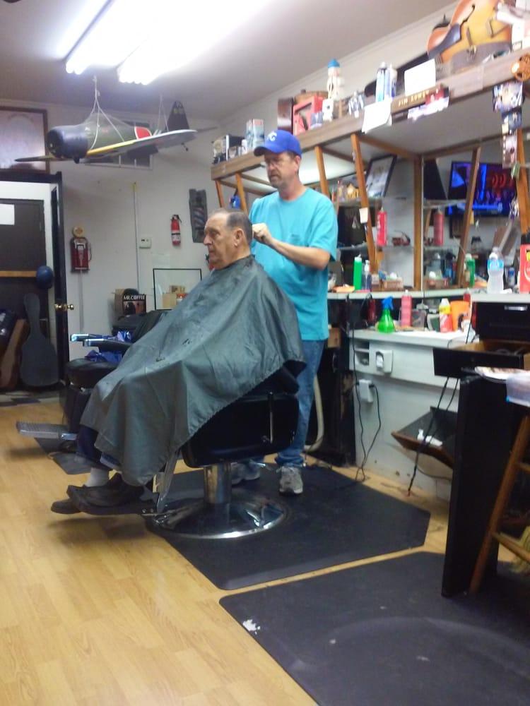 Brighton Barber Shop: 5010 NE 45th Ter, Kansas City, MO