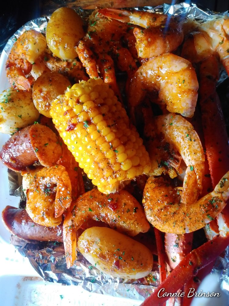 The Seafood Shack & More: 411 Hurst St, Center, TX