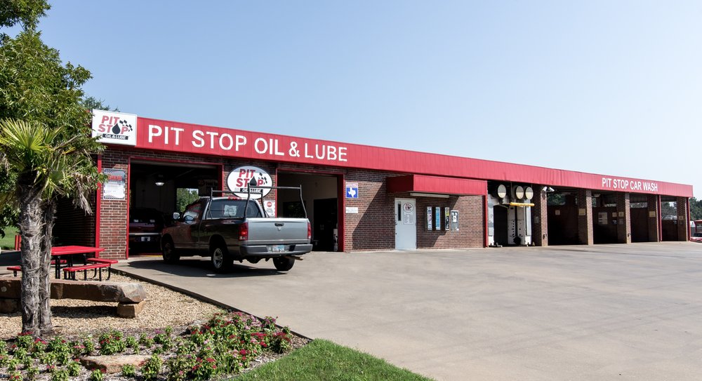 Pit Stop Oil & Lube: 525 Hwy 31 E, Chandler, TX