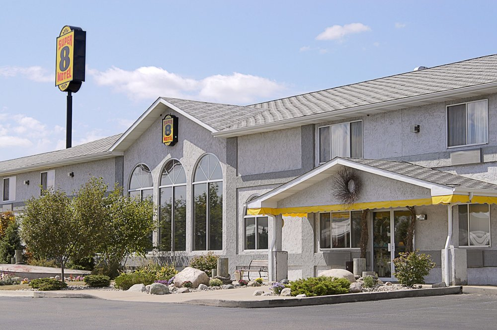 Super 8 by Wyndham West Branch: 2596 Austin's Way, West Branch, MI