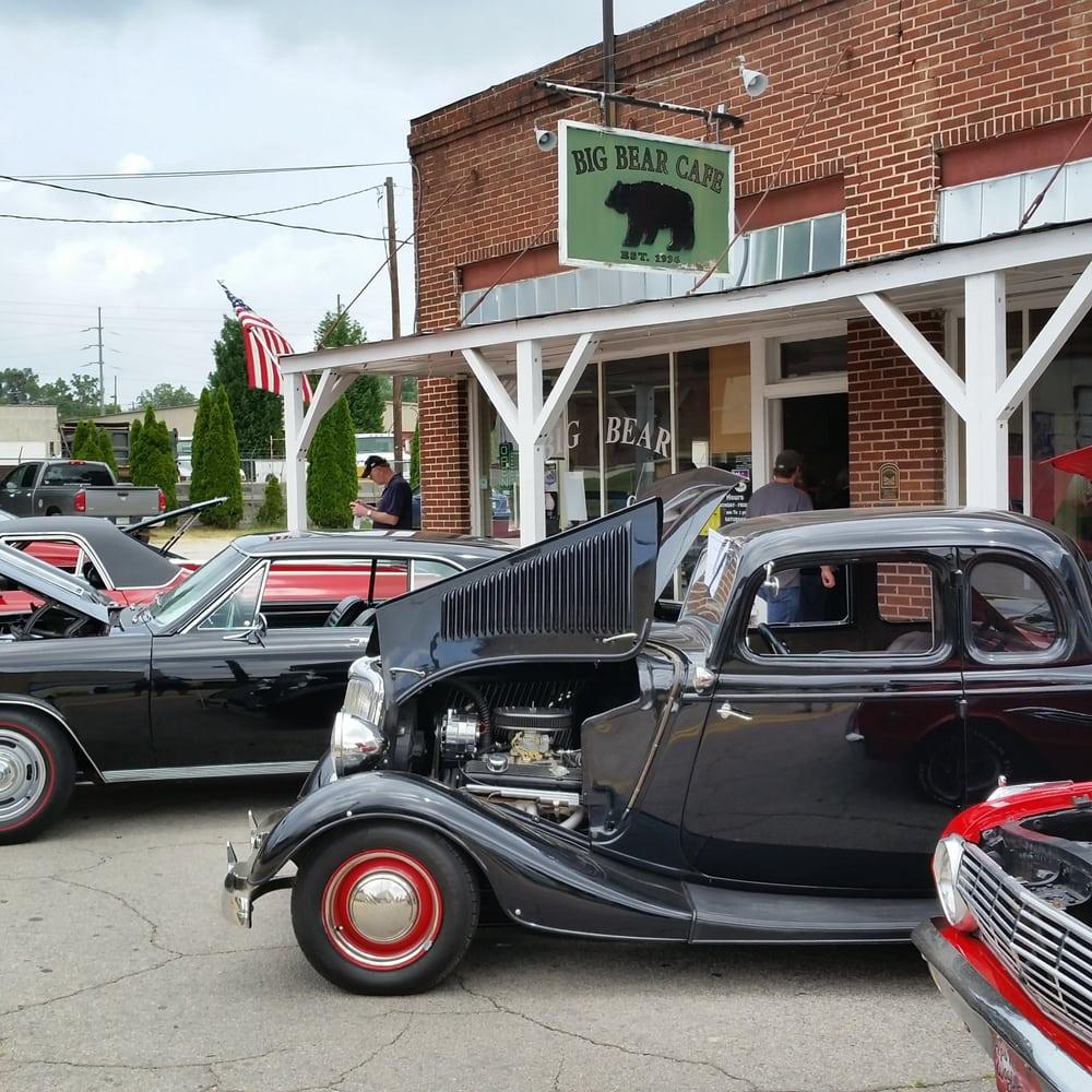 Big Bear Cafe On A Car Show Saturday Morning Cool Chevelles El - Car show gainesville fl