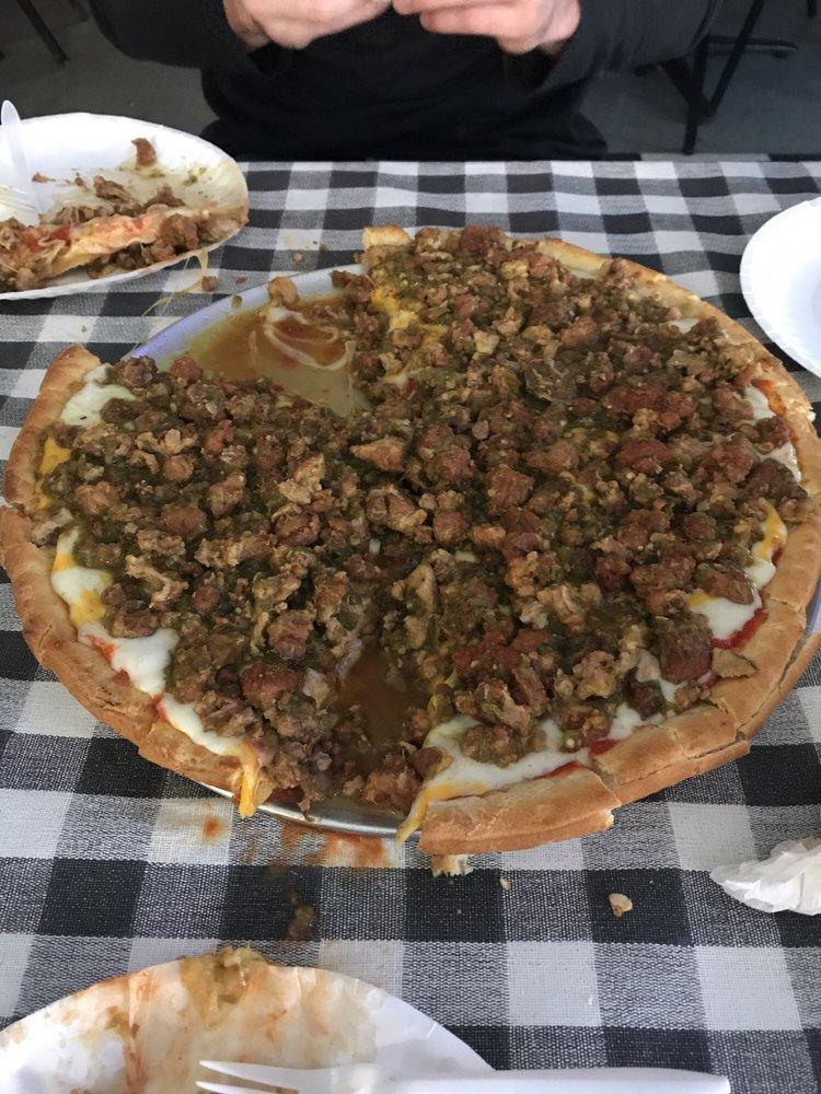 Lr's Pizza: 707 High St, Delano, CA