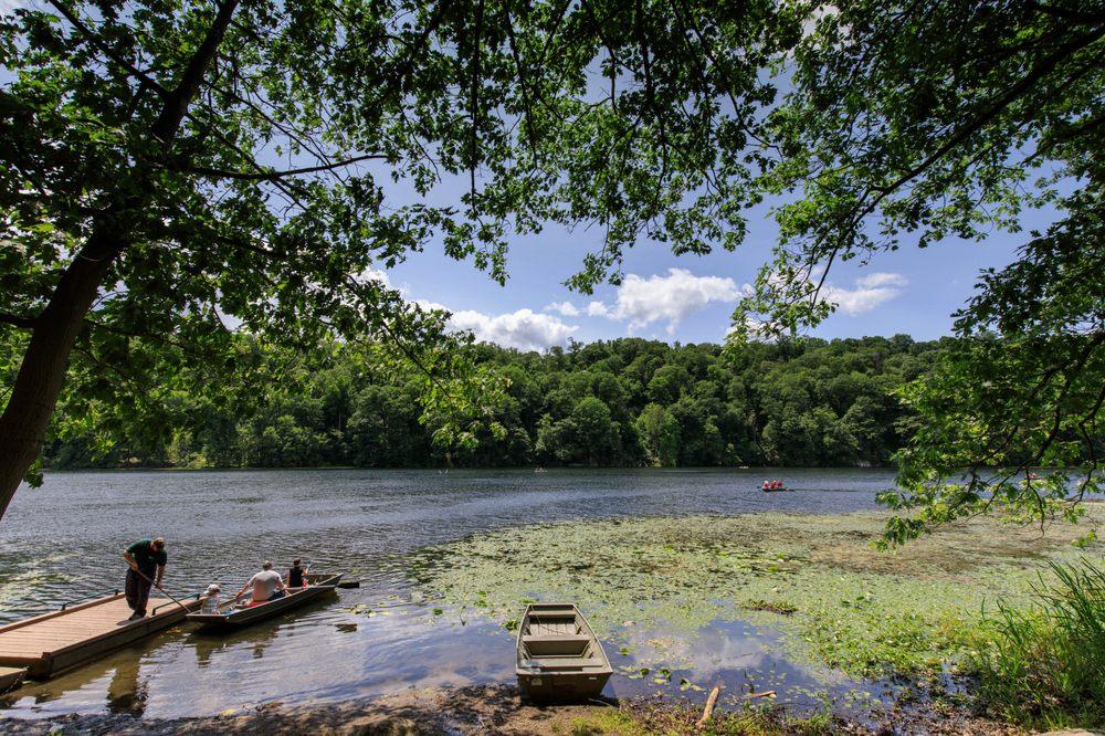 Wampus Pond Park: Rt 128, Armonk, NY