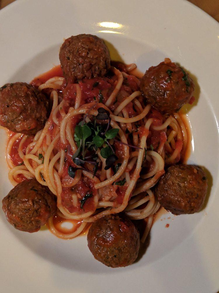 Tony & Nicks Italian Kitchen: 162 Canal St, Ellenville, NY