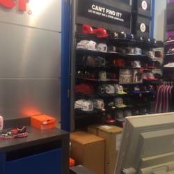 12bdcb02f0 Foot Locker - 13 Reviews - Shoe Stores - 5800 Northgate Mall