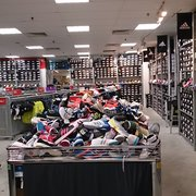 adiadas outlet 7twv  Photo of Adidas Factory Outlet