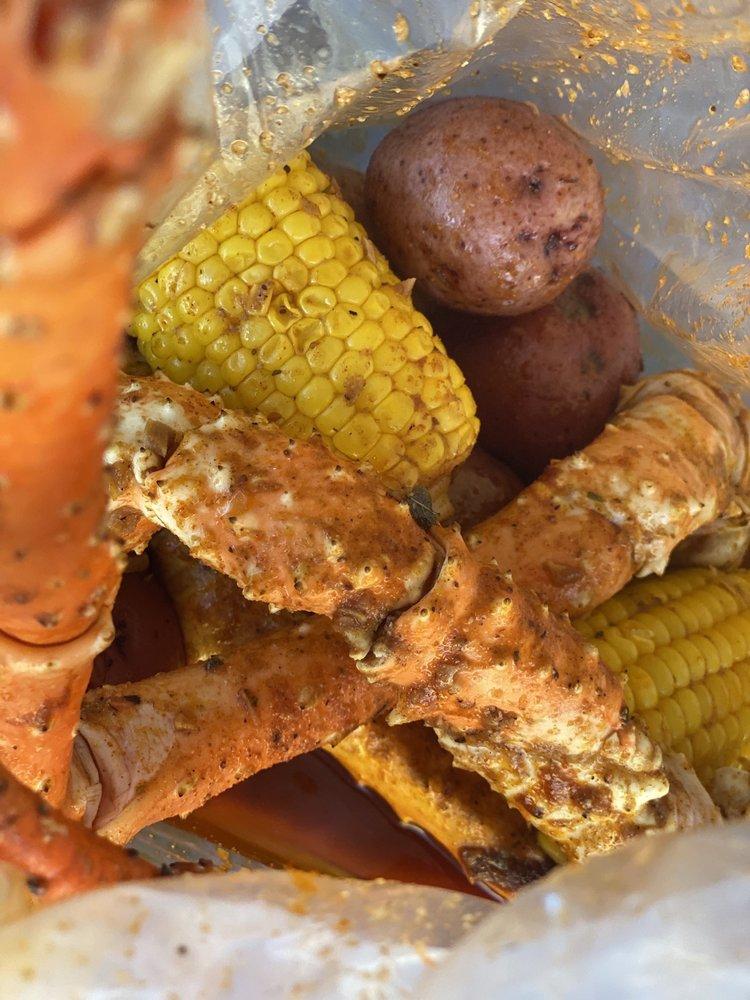 The Crab Shack: 552 E Carson St, Carson, CA