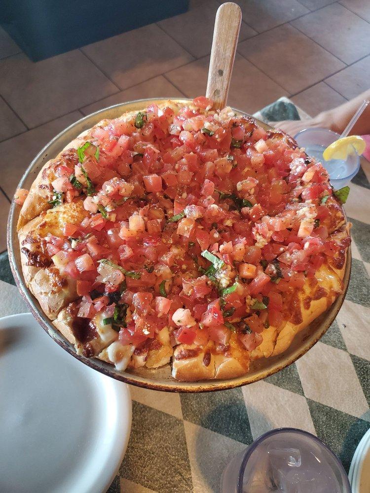 Lena's Pizza & Italian Restaurant: 214 E Adrian St, Blissfield, MI