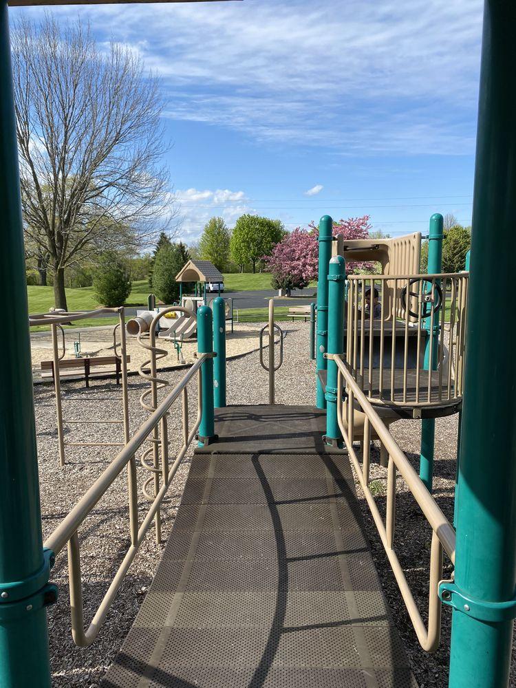 Lisbon Community Park: N78W26970 Bartlett Rd, Hartland, WI