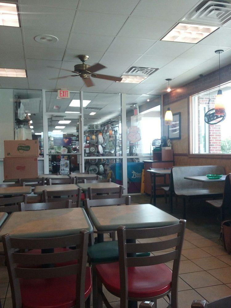 Subway: 630 E Springfield Rd, Arcola, IL