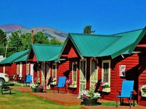 Sears Motel & Gift Shop: 1023 US Highway 49, East Glacier Park, MT