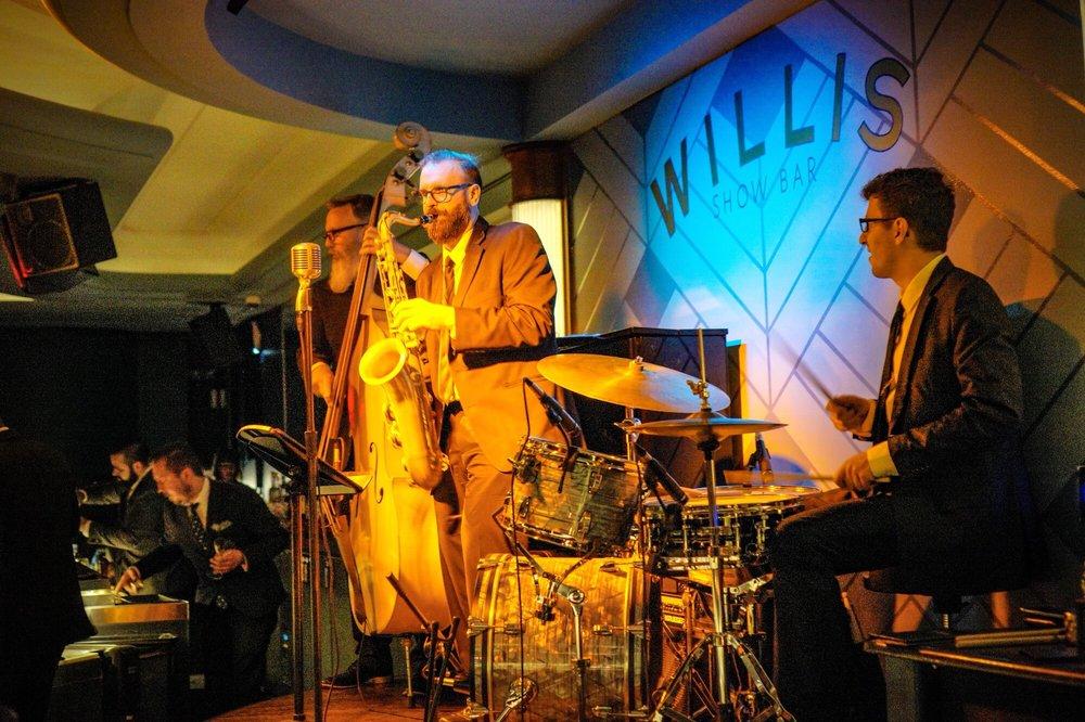 Willis Show Bar