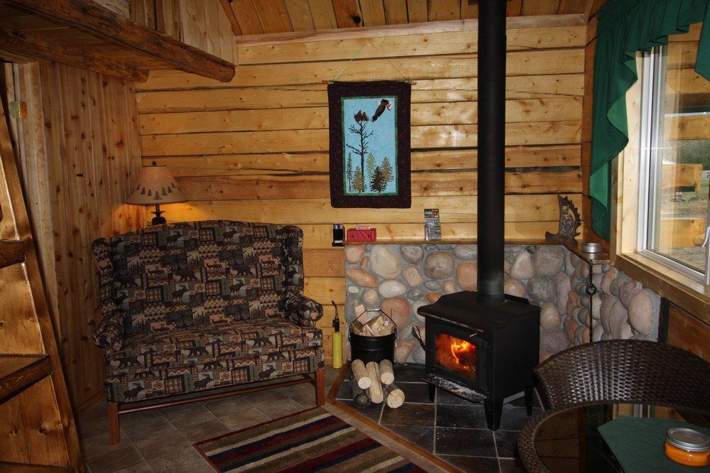 Log Cabin Wilderness Lodge: 985 Mile Tok Cut Off Rd, Tok, AK