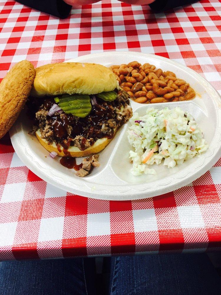 Watson's BBQ: 502 S Lake St, Tucumcari, NM