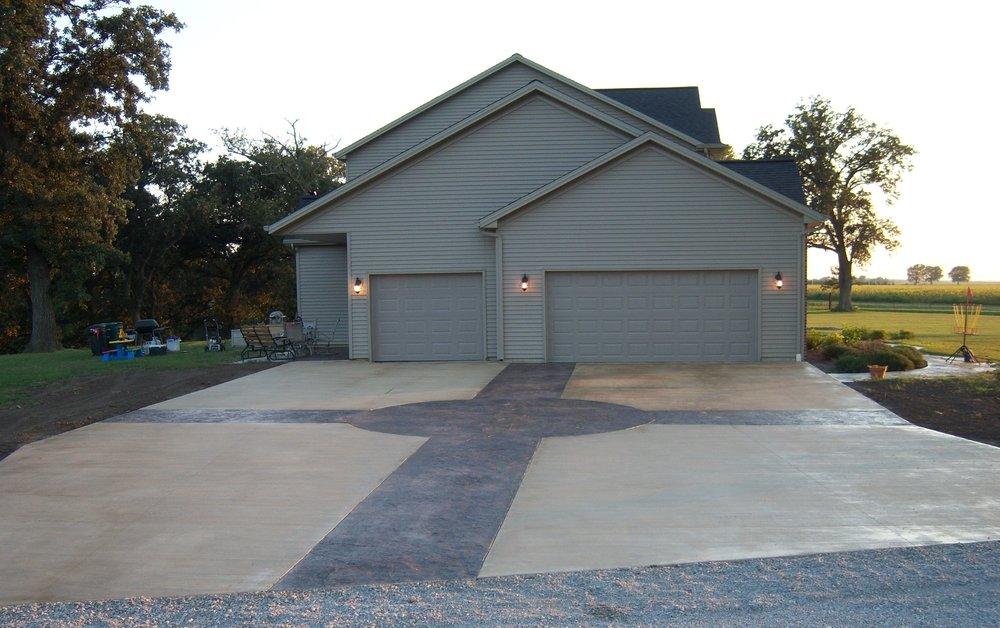 Classic Concrete: 605 Illinois Valley Dr, Mc Lean, IL