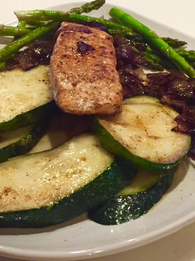 Jerry's Restaurant & Lounge: 1102 Sparrow Rd, Chesapeake, VA