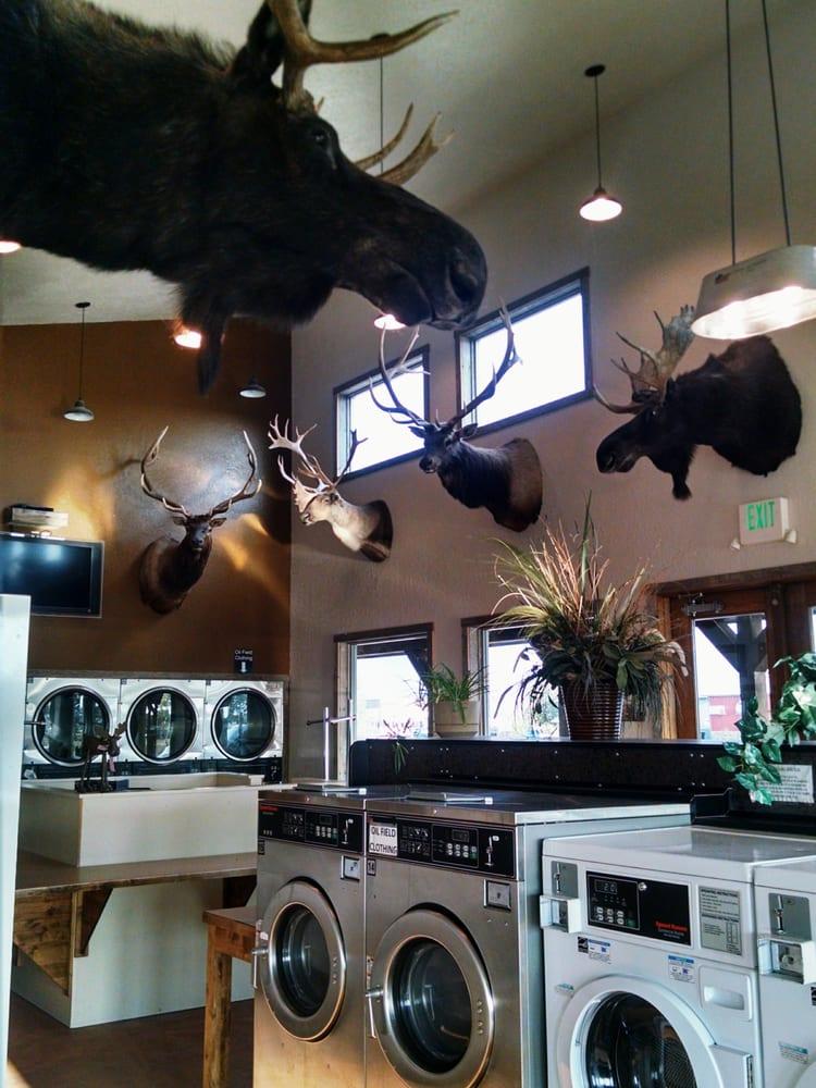 Clean Wash Laundrymat: 1308 W Wislon St, Pinedale, WY