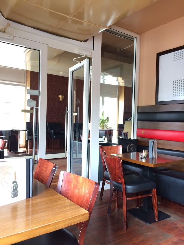 sky lounge 42 reviews lounges triftstr 4 niederrad. Black Bedroom Furniture Sets. Home Design Ideas