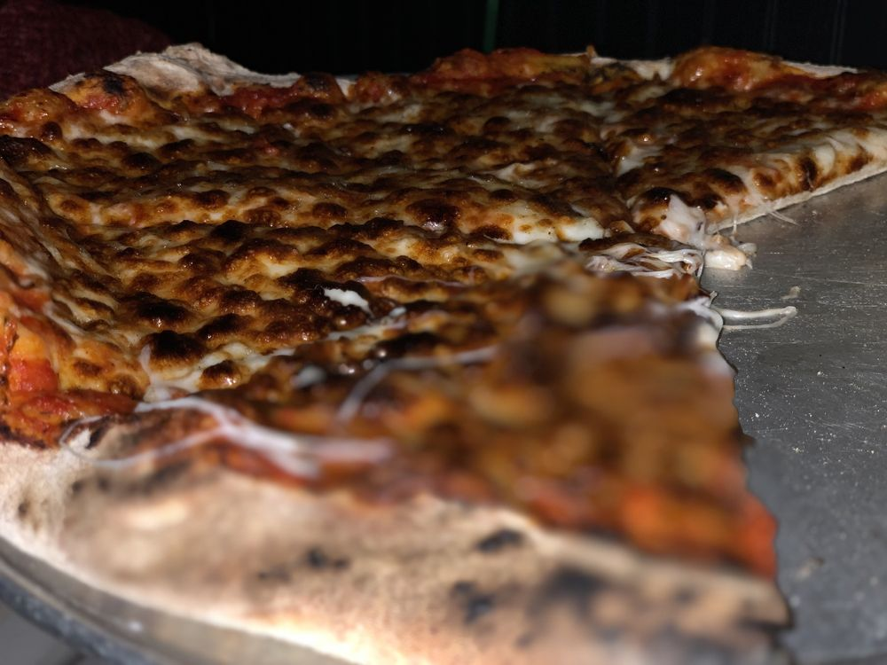 Fire Works Pizza: 201 Harrison St SE, Leesburg, VA