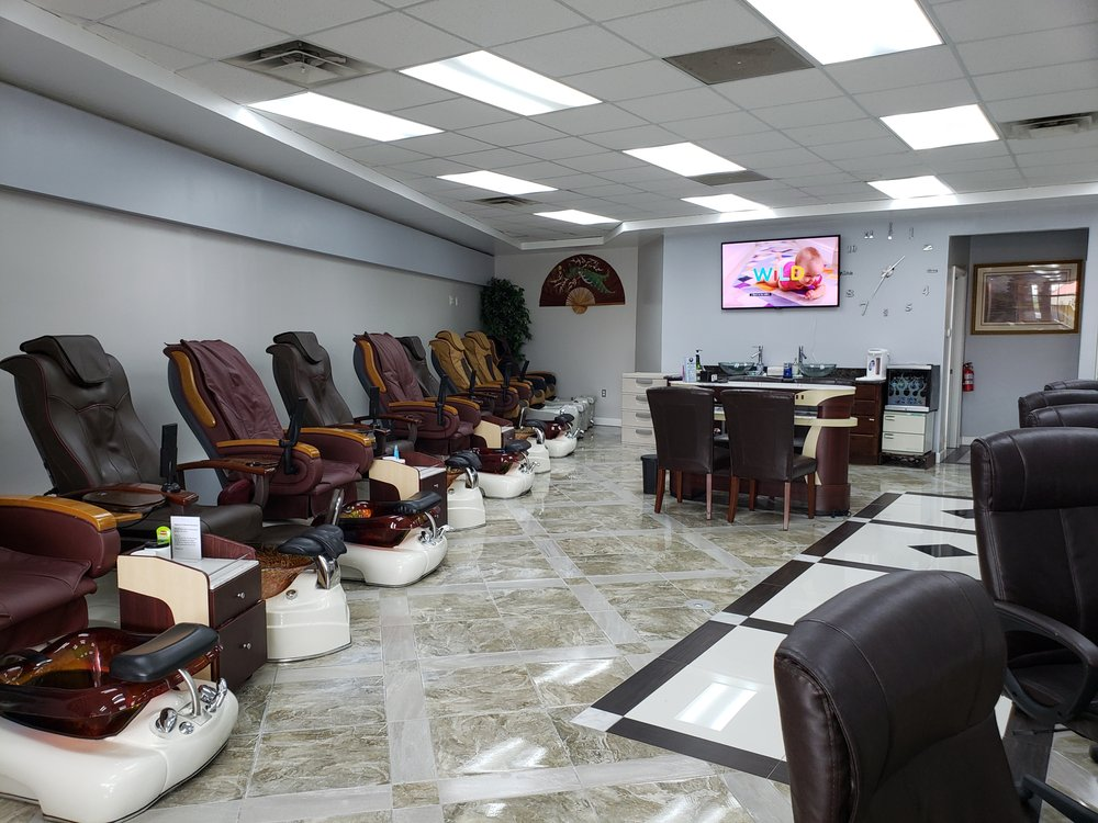 NT Nails & Spa: 6875 Fountains Blvd, West Chester Township, OH