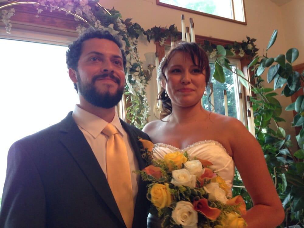 Circle Of Light Weddings: 3969 Mundell Rd, Eureka Springs, AR