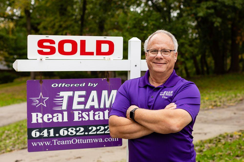 Team Real Estate: 107 S Ct St, Ottumwa, IA
