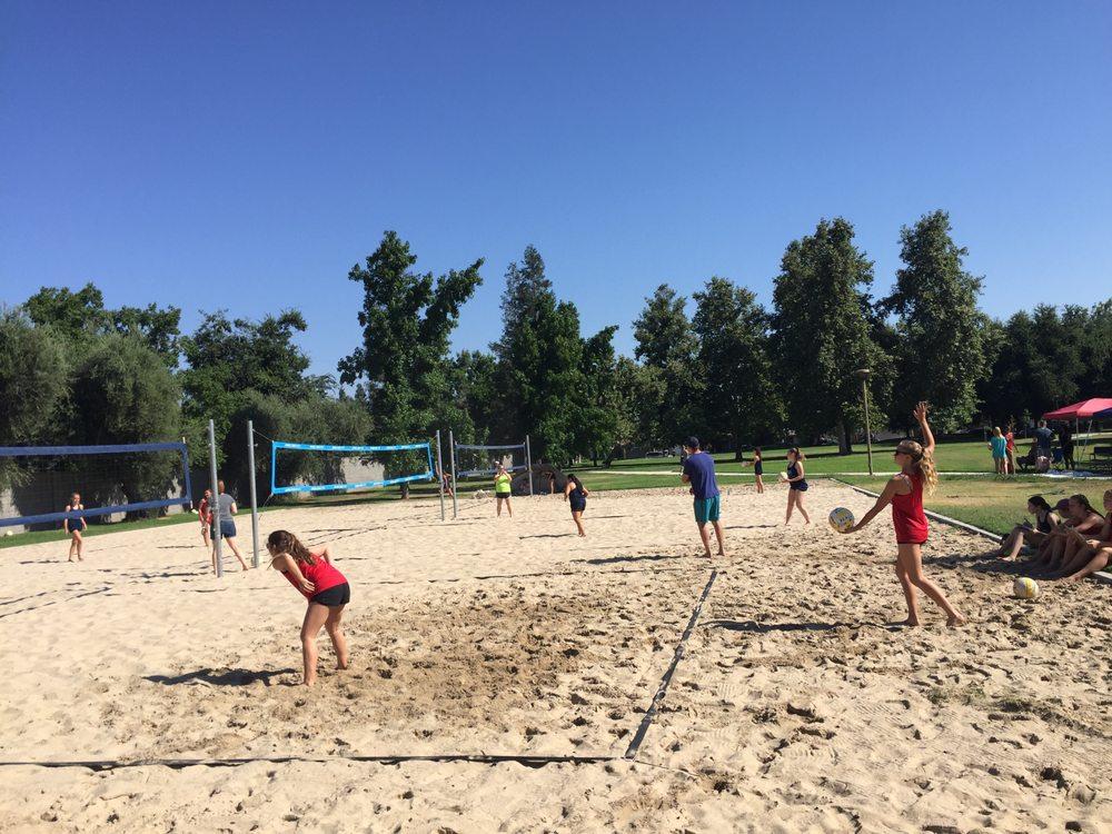 Elite Beach Volleyball: 84 N Sunnyside Ave, Clovis, CA