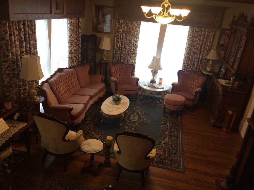 White House Inn Bed & Breakfast: 611 W Court St, Paragould, AR