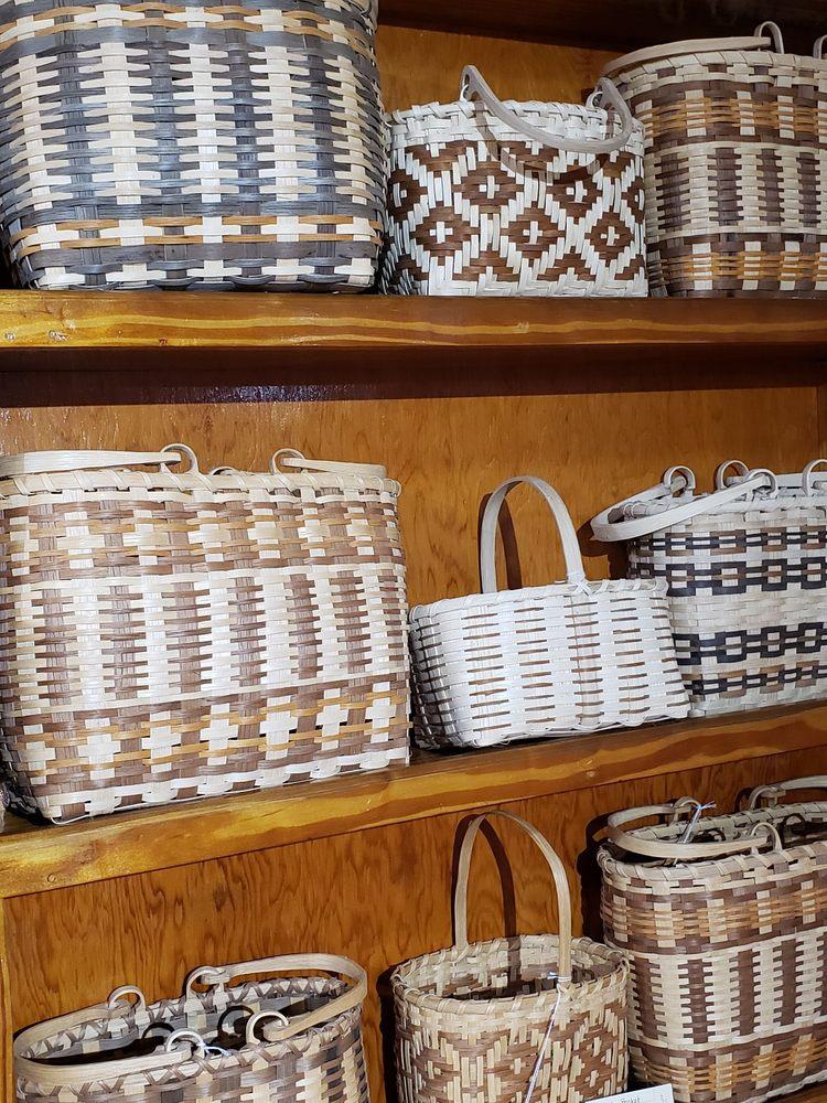 Qualla Arts & Crafts Mutual: 645 Tsali Blvd, Cherokee, NC