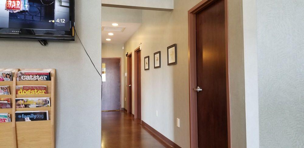 Hillside Small Animal Hospital: 4400 Hartman Ln, Batavia, OH