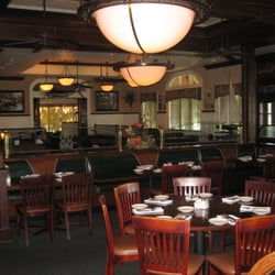 University grill 26 photos 84 reviews seafood 7790 for Fish restaurant fort myers