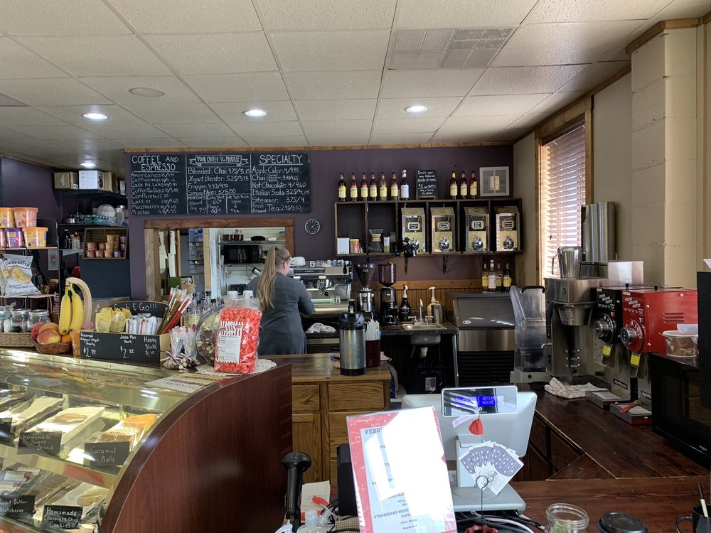 Prairie Grounds Cafe and Gifts: 933 Se St, Broken Bow, NE