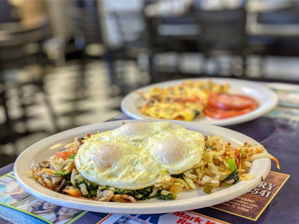 Marko's Diner: 16305 San Carlos Blvd, Fort Myers, FL