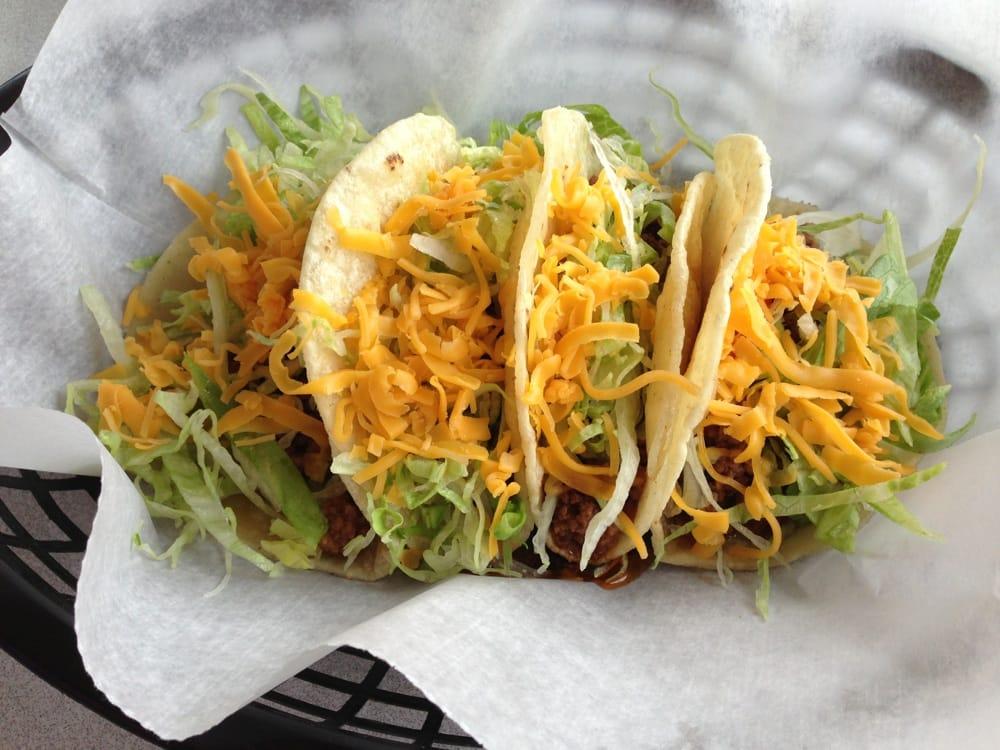 Leti's Tacos: 313 S Cavin St, Ligonier, IN