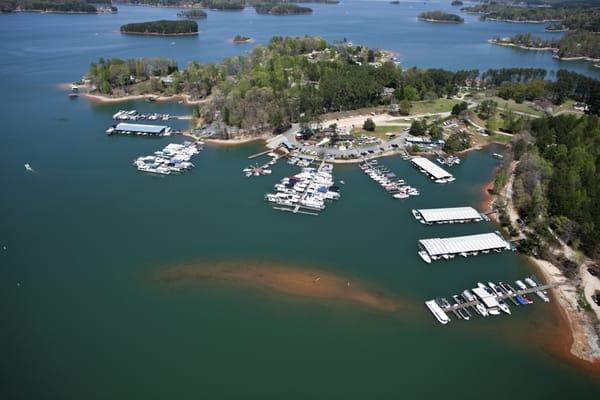 Lake keowee marina boating 150 keowee marina dr for Lake keowee fishing report