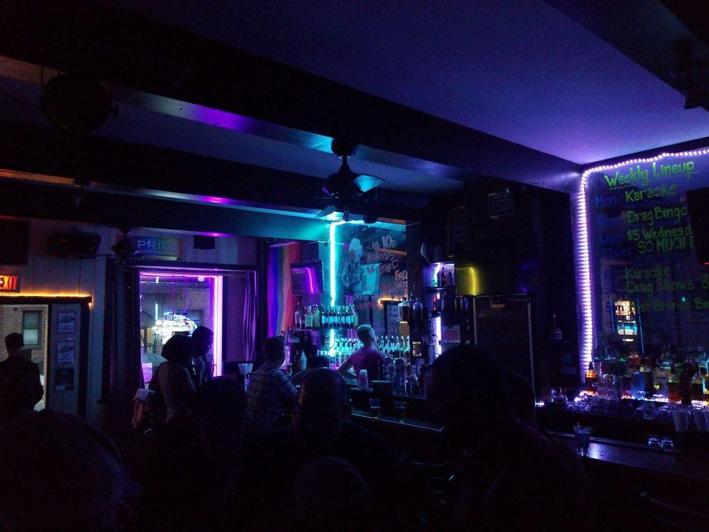 Albatross Bar: 3619 24th Ave, Astoria, NY