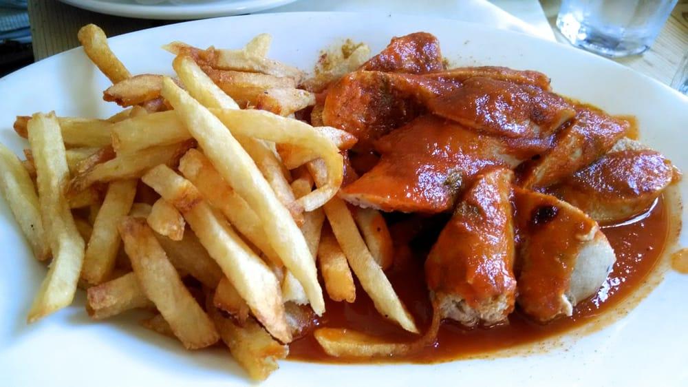 Currywürst mit Pommes Frites (white chicken & pork sausages in ...