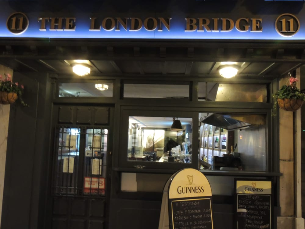 The london bridge ferm 15 photos pubs calle for Bloquer ouverture fenetre pub chrome