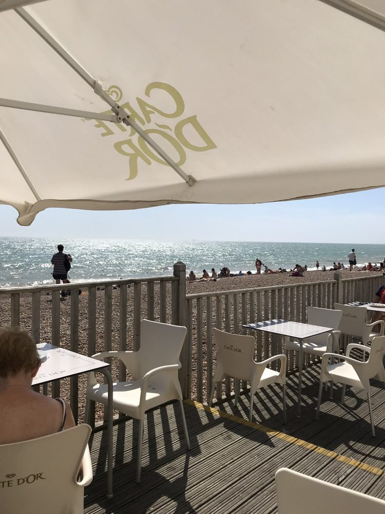 The Meeting Place Cafe: The Kings Road, Hove, BNH