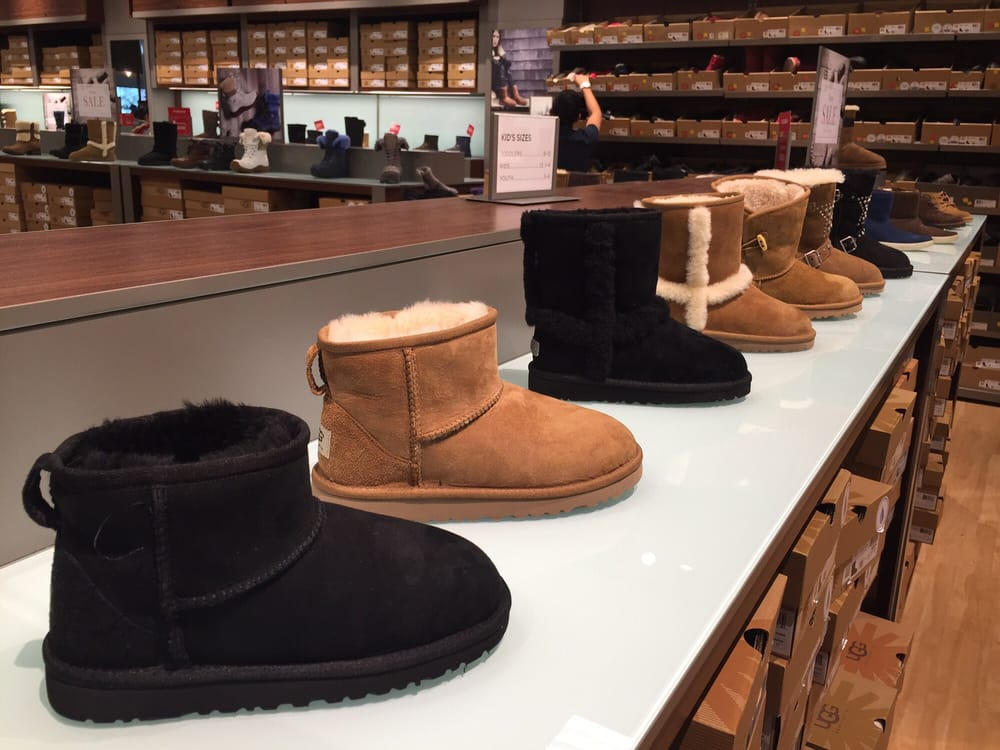 where is the ugg outlet store